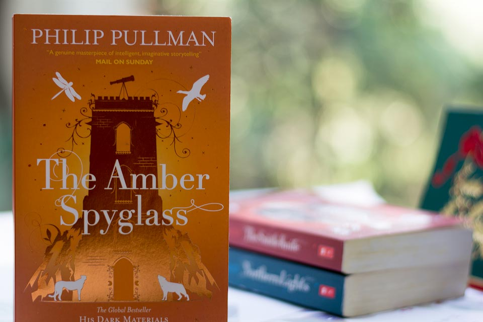 Book Review: The Amber Spyglass by Philip Pullman